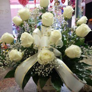 Cesto-Rose-Bianche