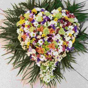 Cuore di-fiori per ultimo saluto